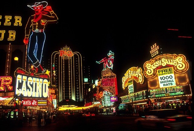 Las Vegas Strip at nighttime. No Las Vegas guide for newcomers can skip mentioning the Strip.