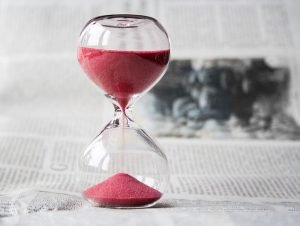 hourglass - declutter before moving