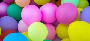Picture of going away party baloons