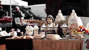 Ceramic items exhibited on a yard sale
