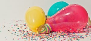 a couple of different color balloons as a must when you organize a winter-themed housewarming party